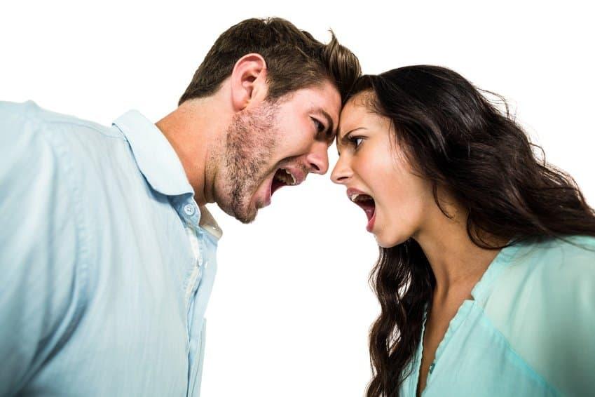 Richtig streiten Mann Frau schreien sich an