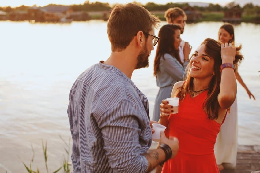 Körpersprache beim Flirten